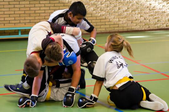 Kung Fu voor Kinderen tegen een Grotere tegenstander